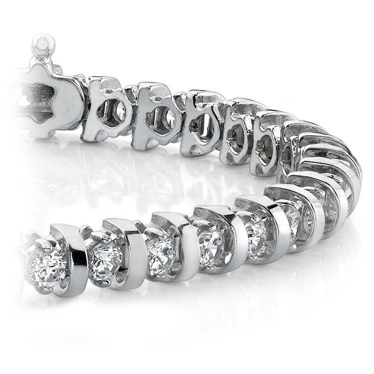 Bar Diamond Bracelet in White Gold    01