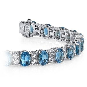 Diamond & Swiss Blue Topaz Bracelet in White Gold (17 Ctw)