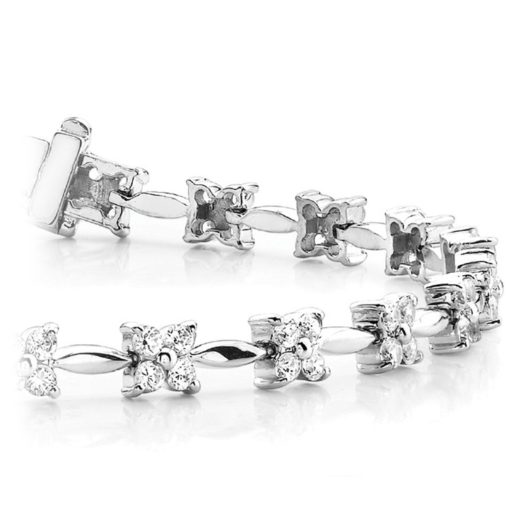 Four Petal Diamond Bracelet in White Gold (2 ctw)   01