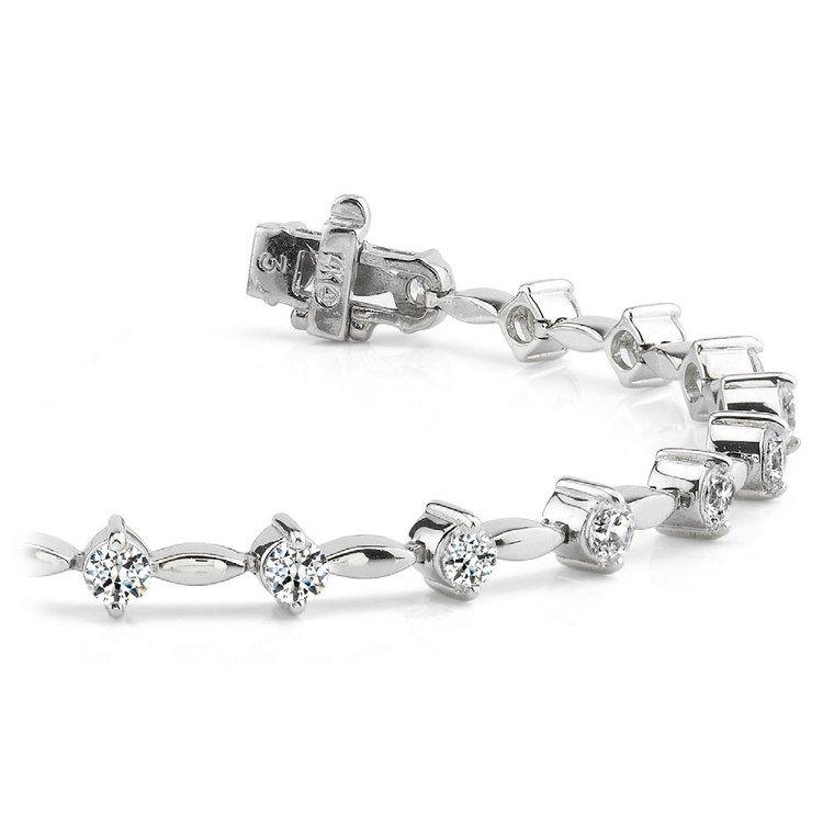 Teardrop Diamond Bracelet in White Gold | 01