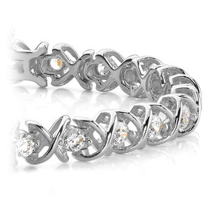 XO Diamond Bracelet in White Gold (1 ctw)