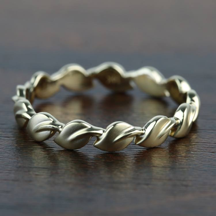 """""""Lyria Leaves"""" Wedding Band in Yellow Gold by Parade   02"""