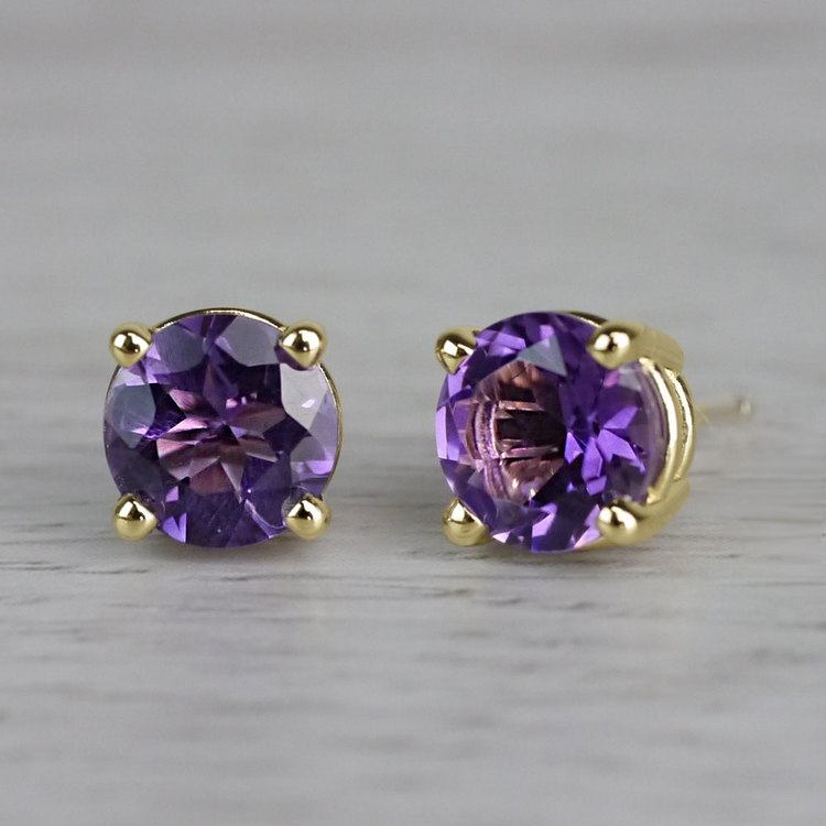 Amethyst Round Gemstone Stud Earrings in Yellow Gold (6.4 mm) | 04