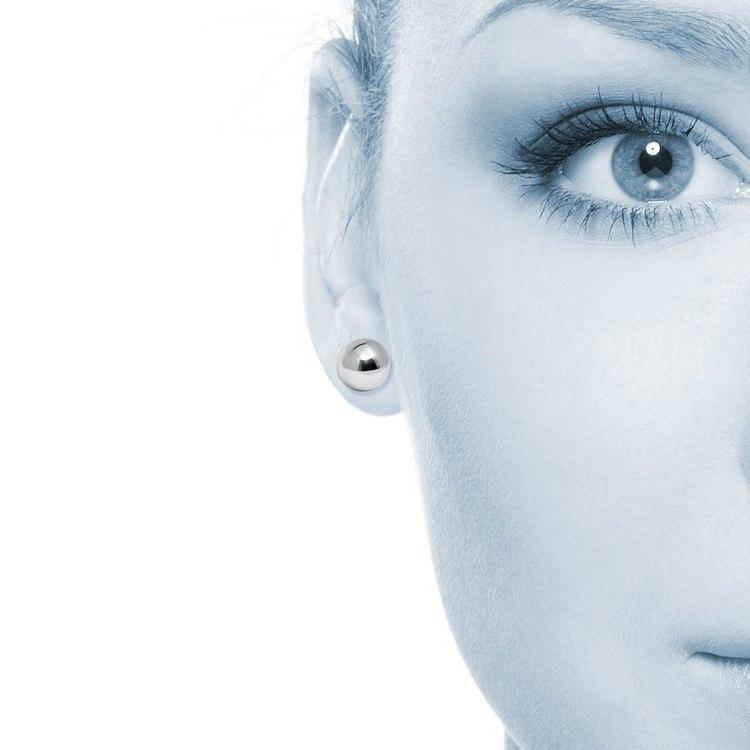 Ball Stud Earrings in Silver (8 mm) | 04
