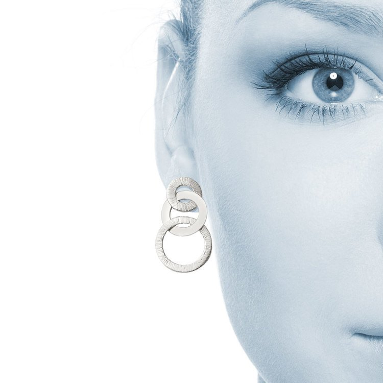 Circle Link Textured Dangle Earrings in Silver | 04