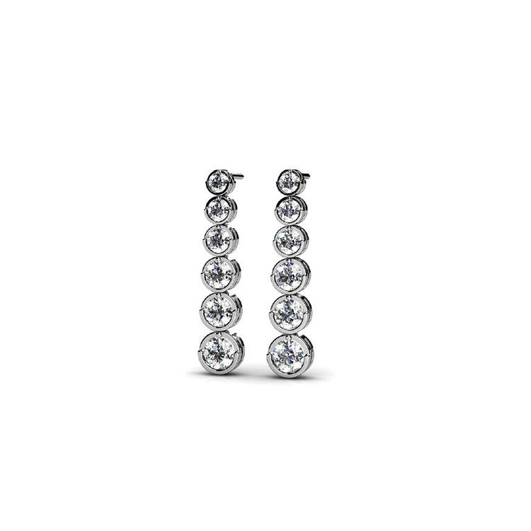 Graduated Diamond Earrings in White Gold (1 ctw) | 01