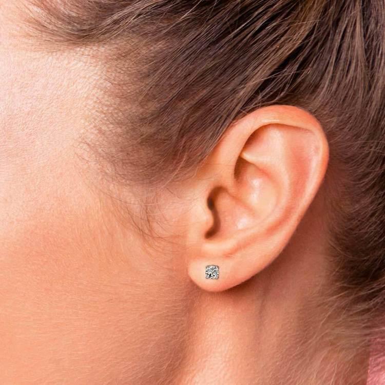 Round Moissanite Single Stud Earring In White Gold (5 mm) | 05