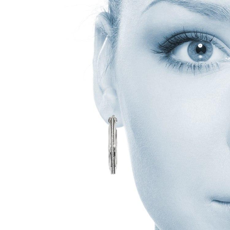 Sparkling Oval Hoop Earrings in White Gold | 04