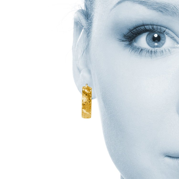 Textured Hoop Earrings in Yellow Gold | 04