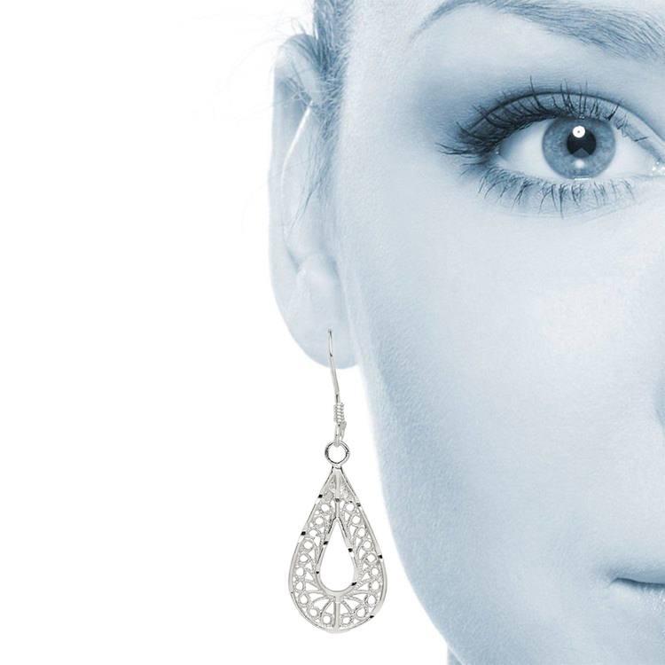 Twisted Pear Filigree Earrings in Silver | 04