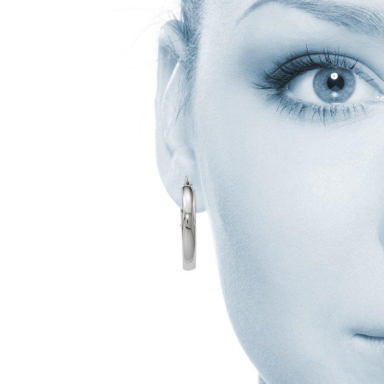 Wide Oval Hoop Earrings in White Gold | 04