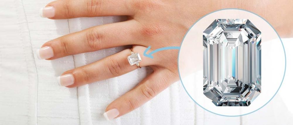 10. Angelina Jolie: Emerald-Cut Diamonds