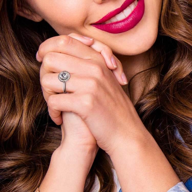 Halo Diamond Engagement Ring in Platinum (1/4 ctw)   07