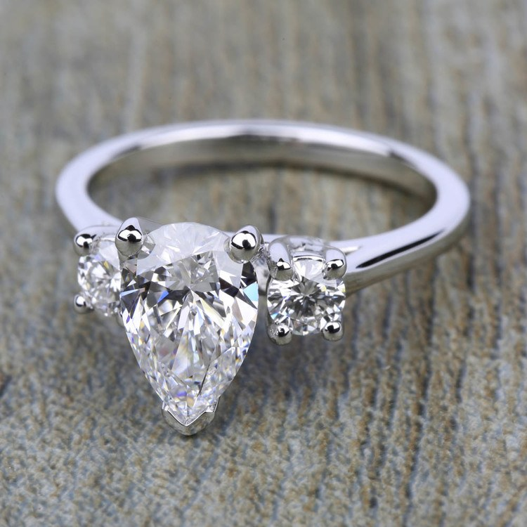 Round Diamond Engagement Ring in White Gold (1/4 ctw) | 05