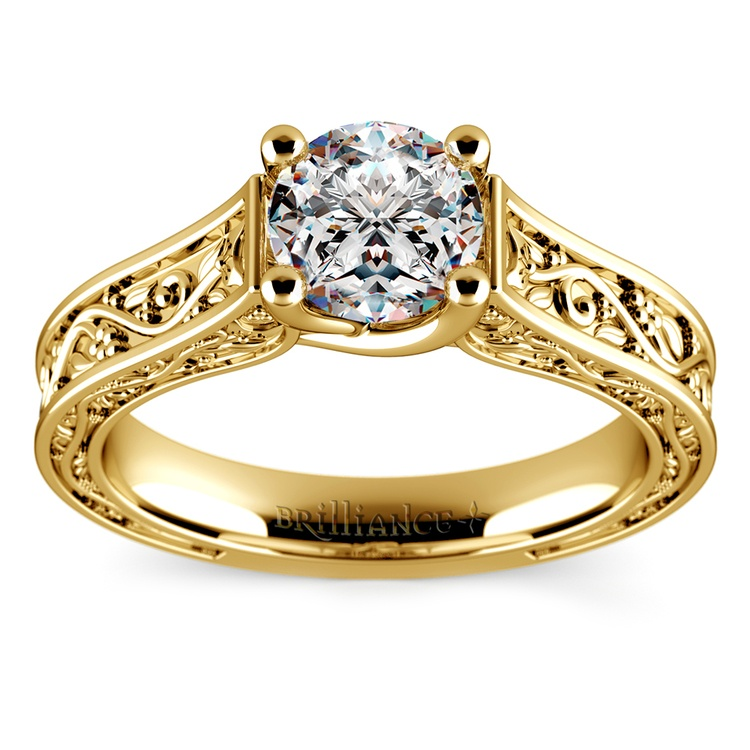 Antique Solitaire Engagement Ring in Yellow Gold | 01