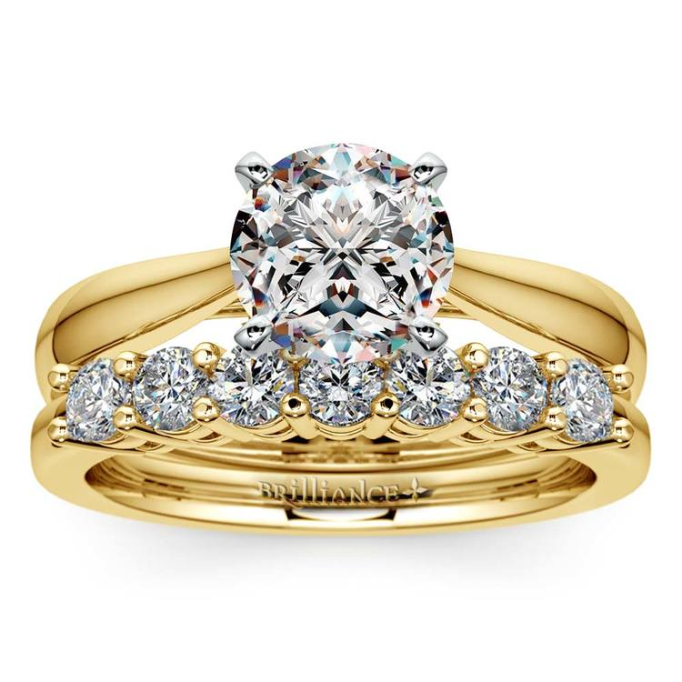 Classic Solitaire & Seven Diamond Bridal Set in Yellow Gold | 01
