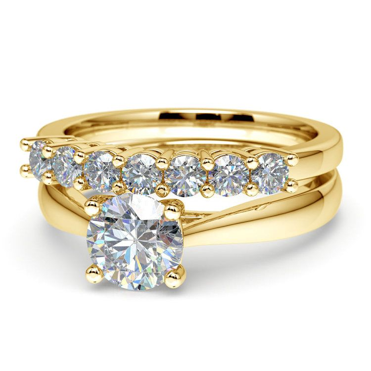 Classic Solitaire & Seven Diamond Bridal Set in Yellow Gold | 04