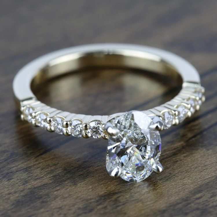 Delicate Shared-Prong Diamond Engagement Ring in Yellow Gold   05