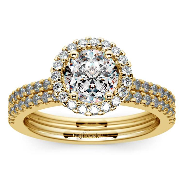 Diamond Halo Bridal Set In Yellow Gold   01