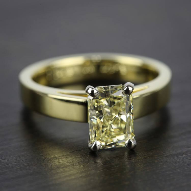 Flat Cathedral Solitaire Engagement Ring in Yellow Gold (3mm) | 05