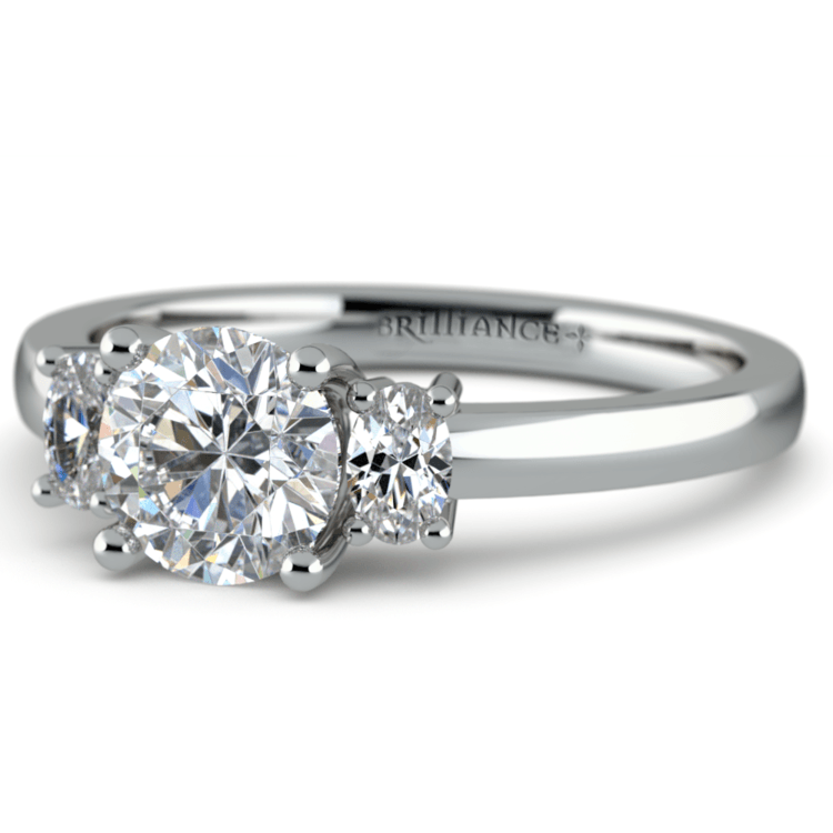 Oval Diamond Engagement Ring in White Gold (1/3 ctw) | 04