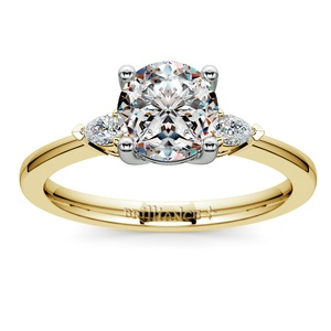 Pear Diamond Engagement Ring in Yellow Gold (1/4 ctw)