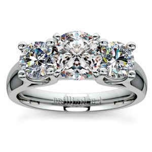 Round Diamond Engagement Ring in White Gold (1 ctw)