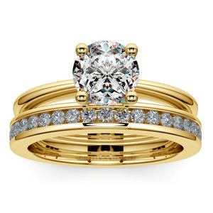 Solitaire Ring & Channel Diamond Bridal Set in Yellow Gold