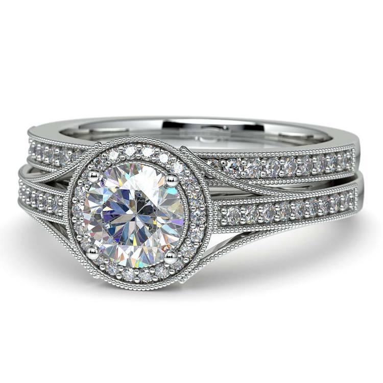 Vintage Milgrain Halo Diamond Bridal Ring Set In Platinum | 04