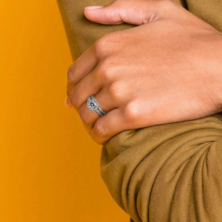 Vintage Milgrain Halo Diamond Bridal Ring Set In White Gold | 07