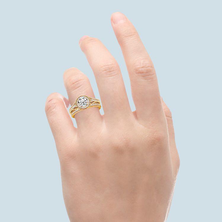 Vintage Milgrain Halo Diamond Bridal Ring Set In Yellow Gold   06