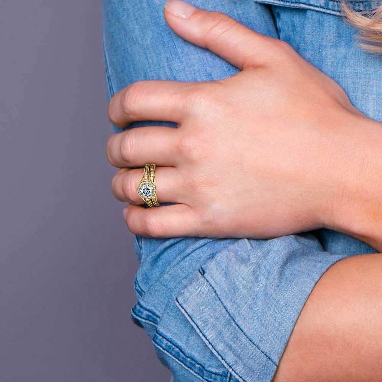 Vintage Milgrain Halo Diamond Bridal Ring Set In Yellow Gold   07