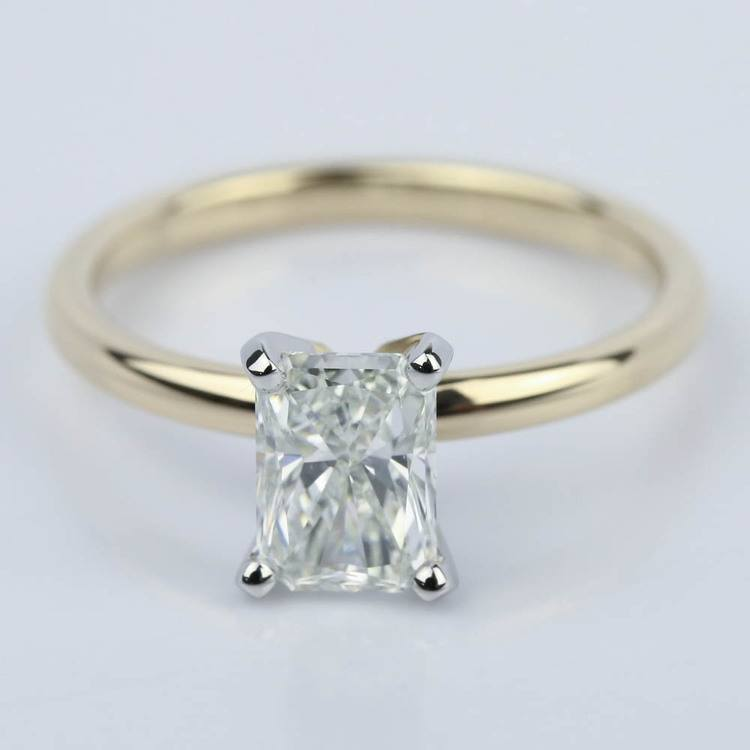 1 Carat Radiant Engagement Ring in Yellow Gold
