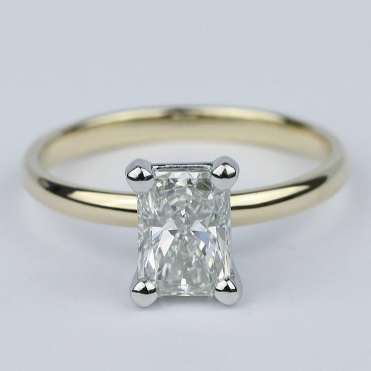 1 Carat Radiant Diamond Engagement Ring in Yellow Gold
