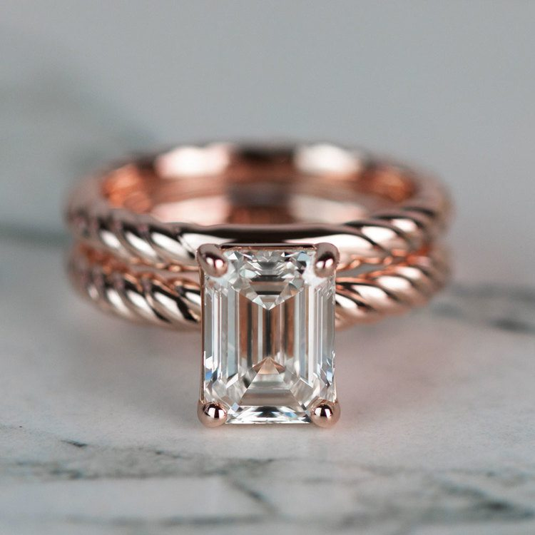 18K Rose Gold Twisted Solitaire Bridal Set with 2.03 Carat Emerald Diamond