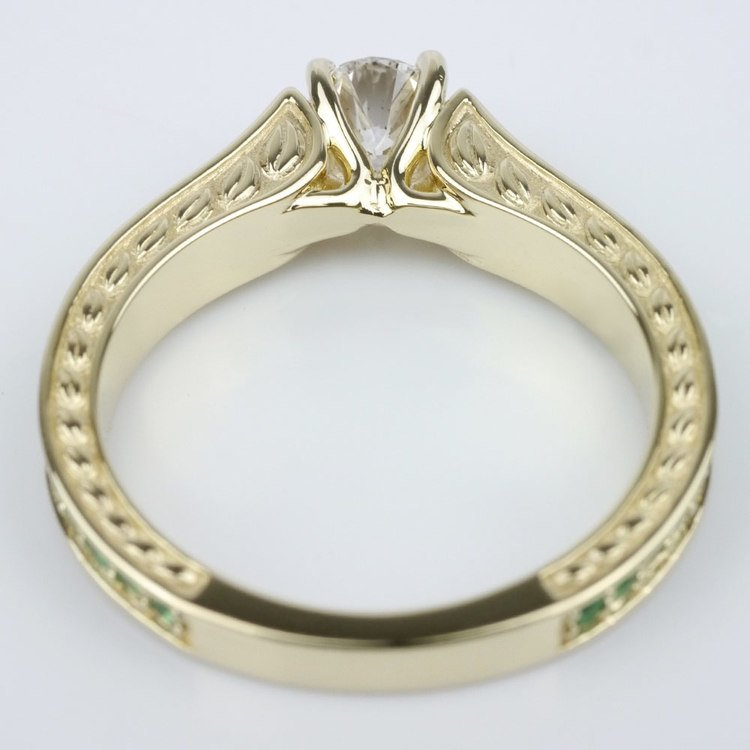 Antique Emerald Gemstone Ring angle 4