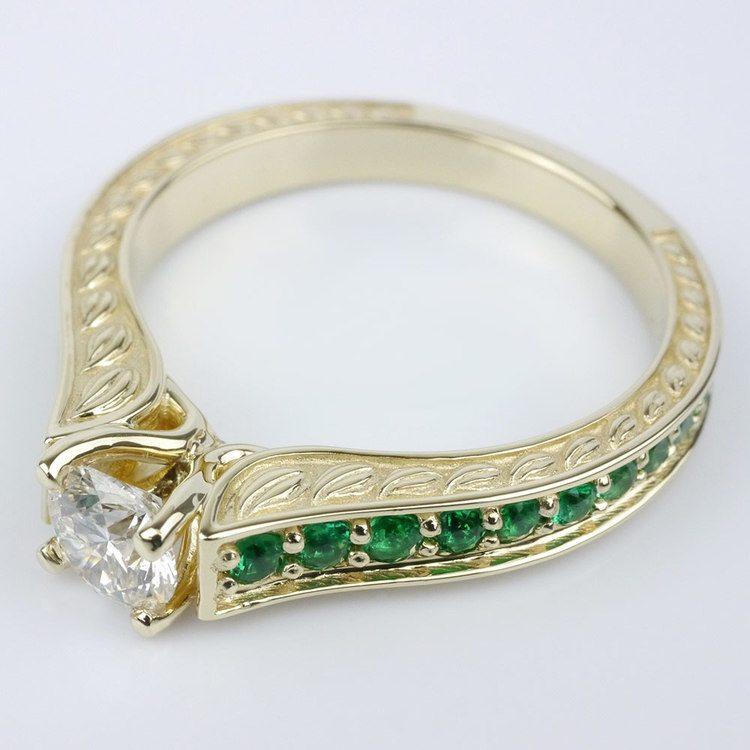 Antique Emerald Gemstone Ring angle 2