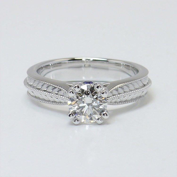 Antique Filigree 0.90 Carat Round Diamond Engagement Ring