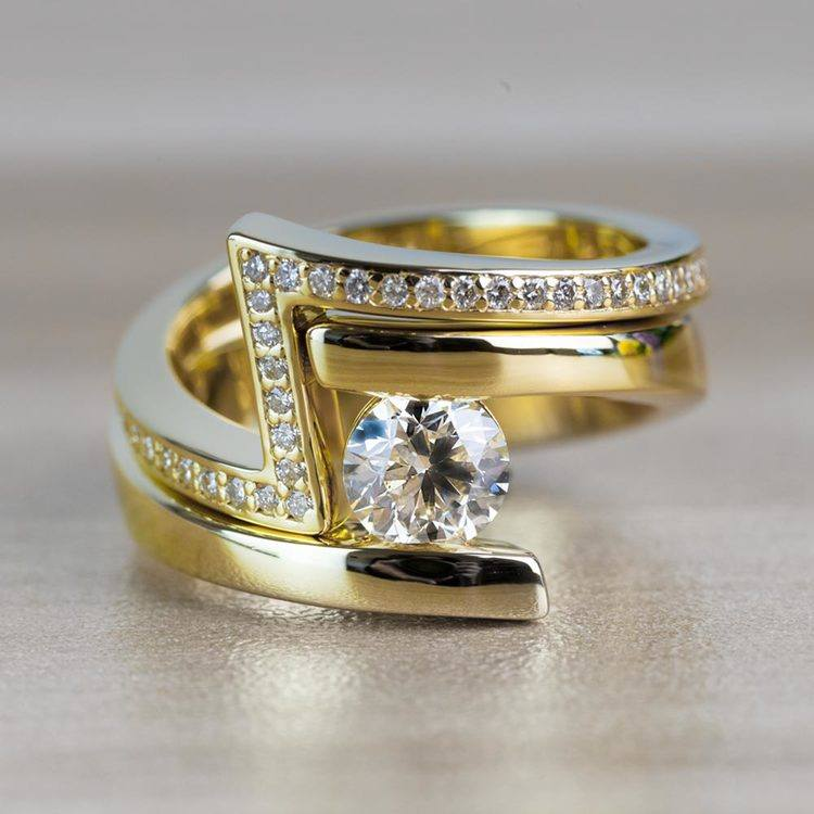 Beautiful Bypass Engagement Ring Bridal Set in Yellow Gold