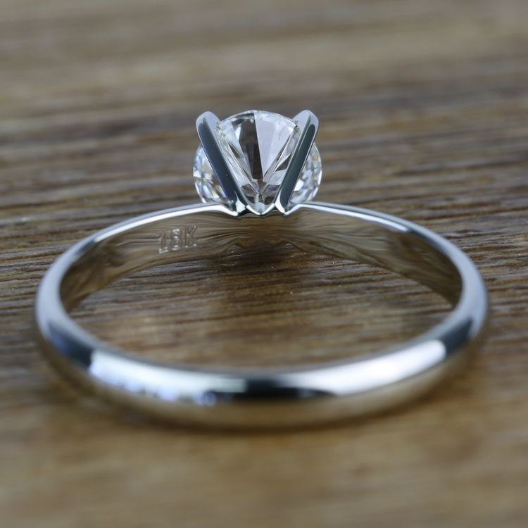Classic Solitaire 0.96 Carat Round Loose Diamond Engagement Ring angle 4
