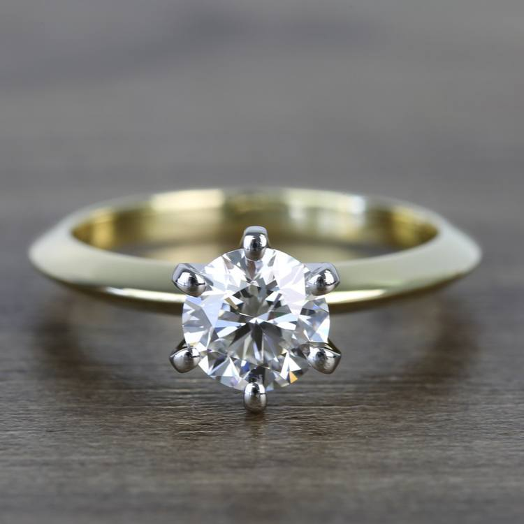 Classic Solitaire Engagement Ring in 18k Yellow Gold with Platinum Prongs