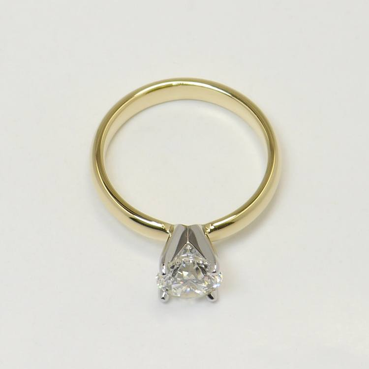Classic 1 Carat Solitaire Round Diamond Engagement Ring angle 4