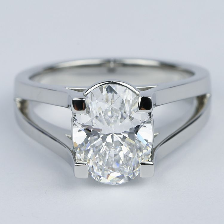 Oval engagement rings split shank