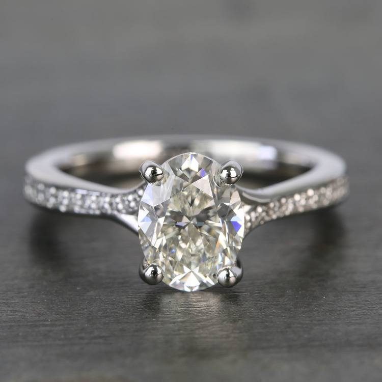 Elegant Shared-Prong Oval Cut Loose Diamond Engagement Ring