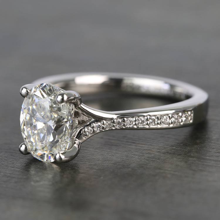 Elegant Shared-Prong Oval Cut Loose Diamond Engagement Ring angle 2