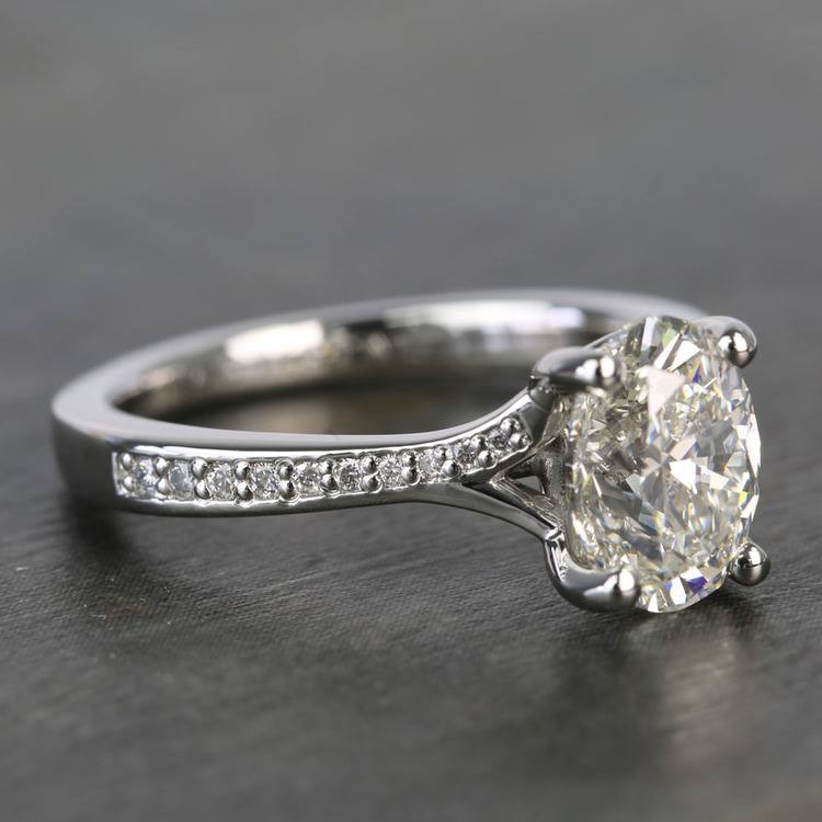 Elegant Shared-Prong Oval Cut Loose Diamond Engagement Ring angle 3