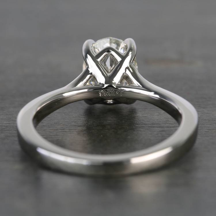Elegant Shared-Prong Oval Cut Loose Diamond Engagement Ring angle 4