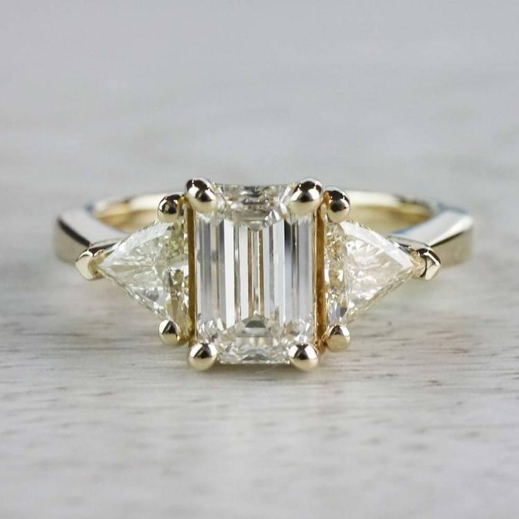 Incredible 1 Carat Emerald Cut Diamond Ring In Yellow Gold