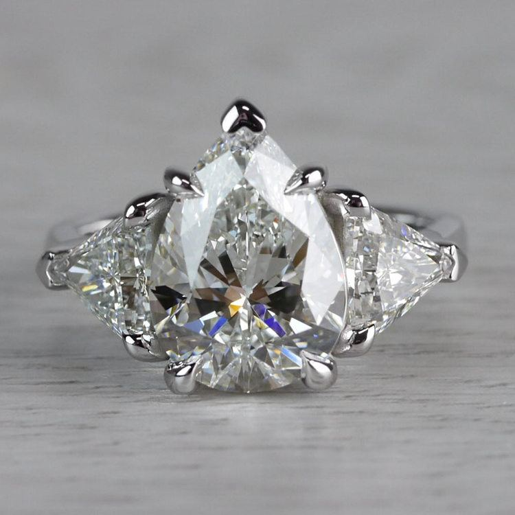 Luxurious Pear Shaped 3 Carat Diamond Ring