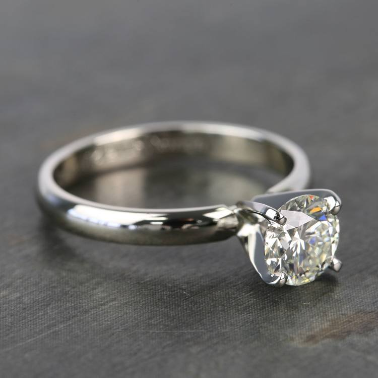 Preset 1 Carat Round Solitaire Diamond Engagement Ring angle 3